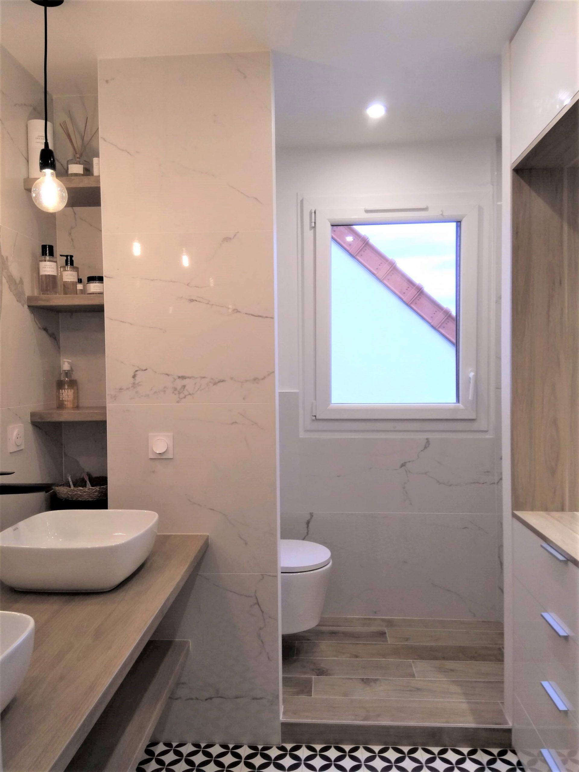 Douche et WC après